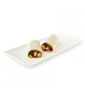 Burrito de pollo, pimiento, tomate, cebolla y jalapeño